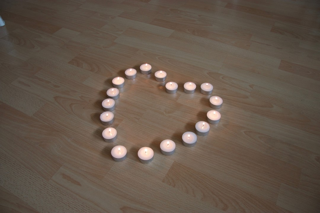hart kaarsjes op vloer